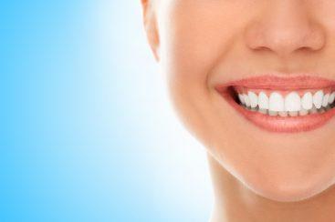 5 maneiras de tirar o amarelo dos dentes e deixá-los mais brancos